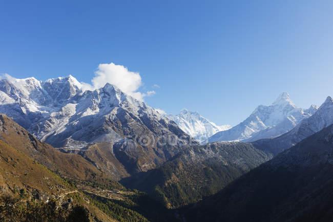 Ama Dablam con Nuptse e Lhotse Monti, Parco nazionale di Sagarmatha, Valle Khumbu, Nepal, Himalaya, Asia — Foto stock