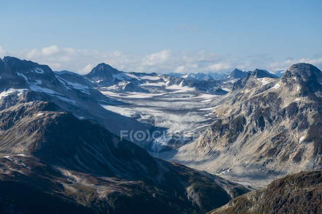 Гори в озеро Кларк Національний парк і заповідник, Аляска, Сполучені Штати Америки, Північна Америка — стокове фото