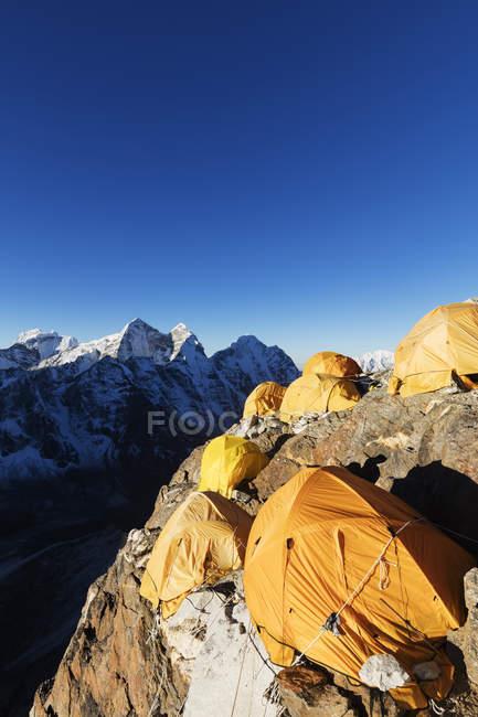 Camp de base sur l'Ama Dablam, Parc National de Sagarmatha, vallée du Khumbu, Népal, Himalaya, Asie — Photo de stock