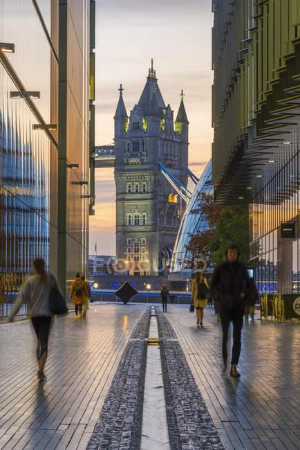 Tower Bridge at dusk, London, England, United Kingdom — Stock Photo