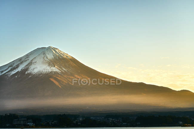 Туманні гора Фудзі і чисте небо, Hyogo Префектура, Хонсю, Японія, Азії — стокове фото