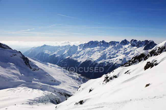 Argentiere Glacier and Aiguilles Rouges under clear sky, Chamonix, Haute Savoie, Rhone Alpes, French Alps, France — Fotografia de Stock
