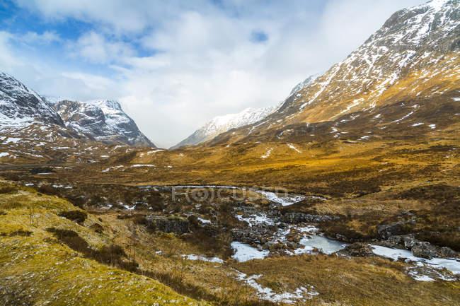 Snow covered mountains and the Glencoe Valley, Glencoe, Highland Region, Scotland, United Kingdom — Stock Photo