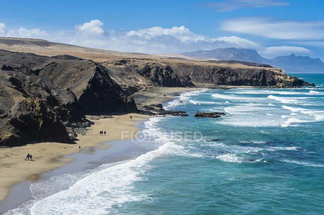 Живописные Viejo Плая-дель-Рей и скал, Ла Паред, Фуэртевентура, Канарские острова, Испания — стоковое фото