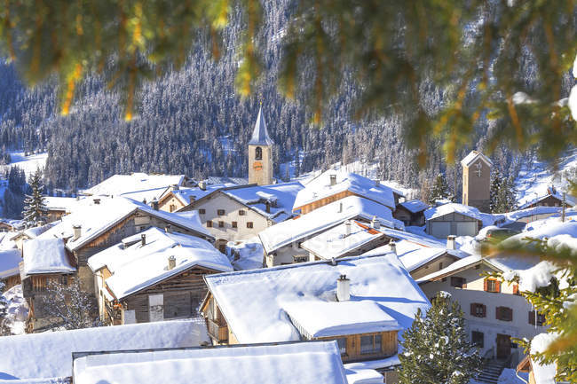 Snow covered village of Latsch — Stock Photo
