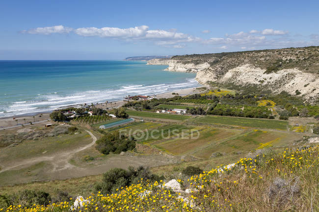 Kourion Beach and cliffs — Stock Photo
