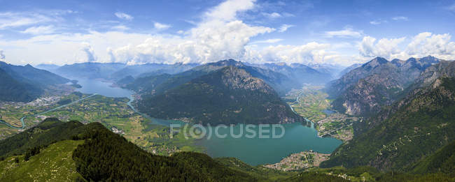 Aerial view of Alpe Bassetta and Lake Como towards Chiavenna Valley, Valtellina, Sondrio province, Lombardy, Italy — Stock Photo