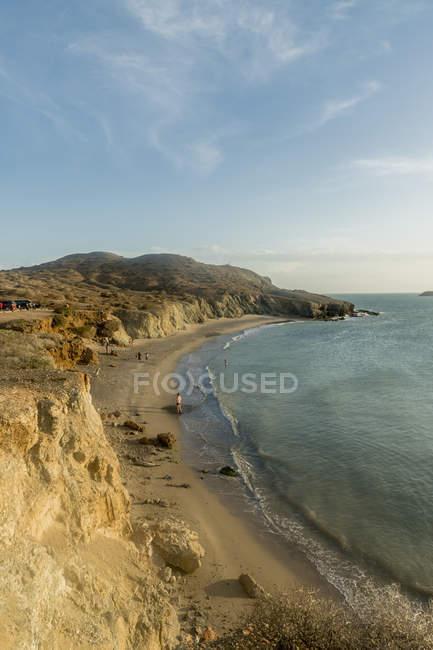 Vista delle scogliere rocciose e l'oceano, Guajira, Colombia, Sud America — Foto stock
