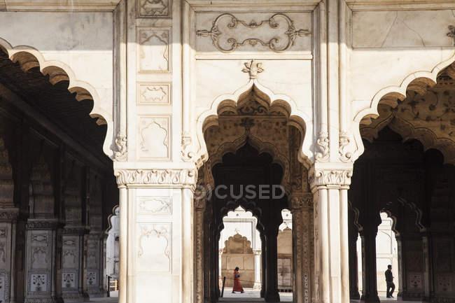 Багато прикрашений стіни з арки в Diwan i Кхас, червоний Форт, старого Делі, Делі, Індія, Азія — стокове фото