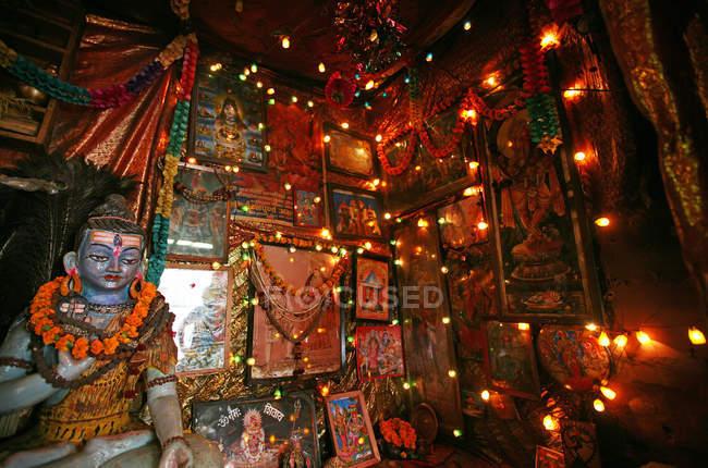 Interior of illuminated Sadhu den, Kathmandu, Nepal, Asia — Stock Photo