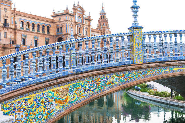 Bridge Puente de Aragon ornate with azulejos, Plaza Espana, Seville, Andalusia, Spain, Europe — Stock Photo
