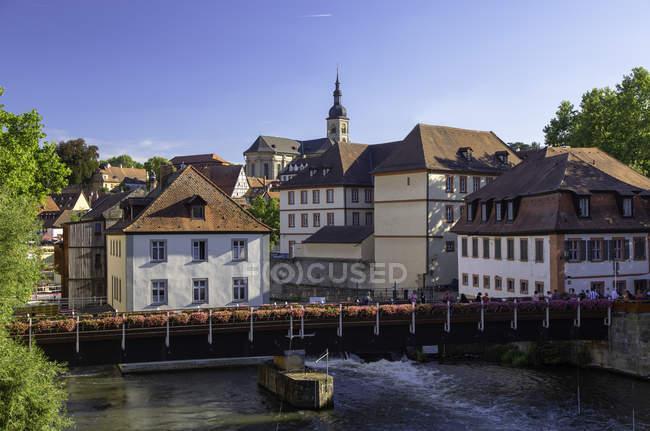 Buildings along River Regnitz, Bamberg, Bavaria, Germany, Europe — Stock Photo