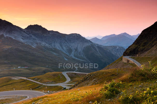 Sonnenaufgang über das Stilfser Joch in Berge, Alpen, Italien — Stockfoto