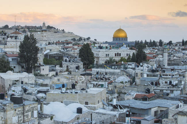 View over Muslim Quarter towards Dome of the Rock and the Mount of Olives, Jerusalem, Israel, Middle East — Stock Photo