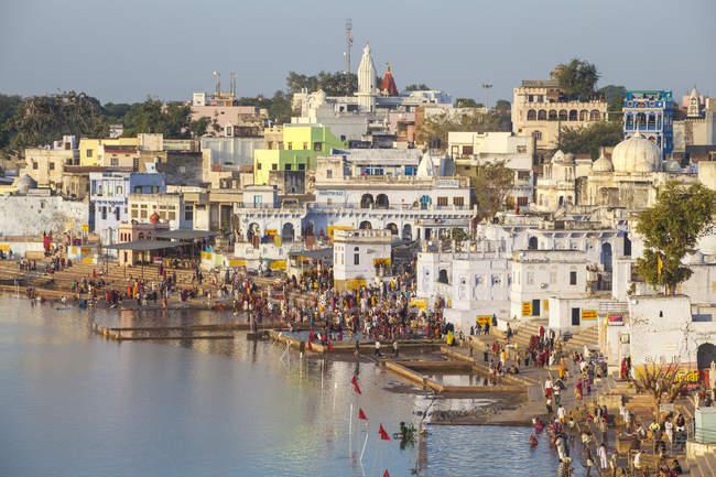 Pushkar Lake and bathing ghats, Pushkar, Rajasthan, India, Asia — Stock Photo