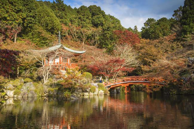 Daigo Temple et pont en automne nature, Kyoto, Japon, Asie — Photo de stock