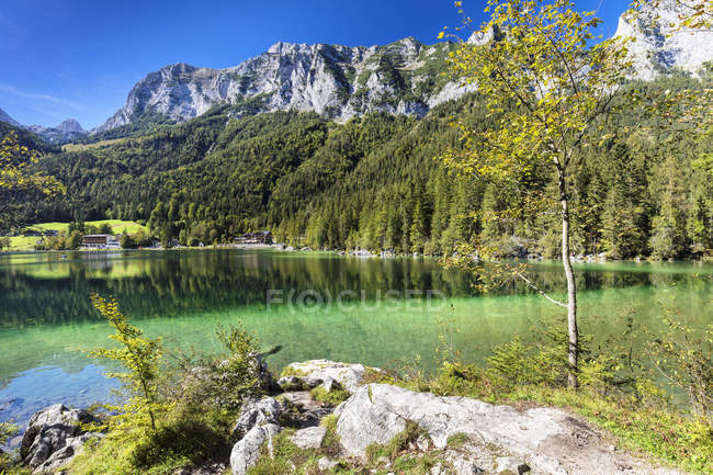 Paysage du pittoresque lac Hintersee, Reiteralpe montagne, Ramsau, Berchtesgadener Land, parc National de Berchtesgaden, Haute Bavière, Bavière, Allemagne, Europe — Photo de stock