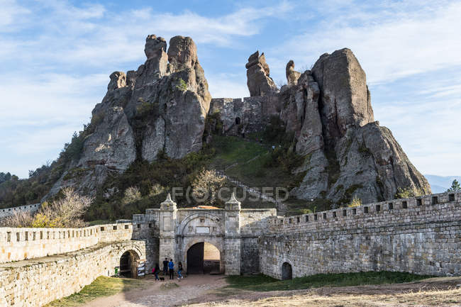 Kaleto Rock Fortress and natural rock formations on background, Belogradchik, Bulgaria, Europe — Stock Photo