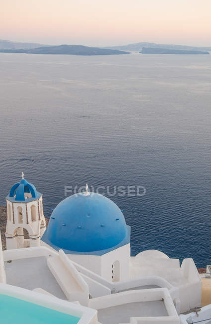 View of Oia at sunset in Santorini, Cyclades, Aegean Islands, Greek Islands, Greece, Europe — Stock Photo