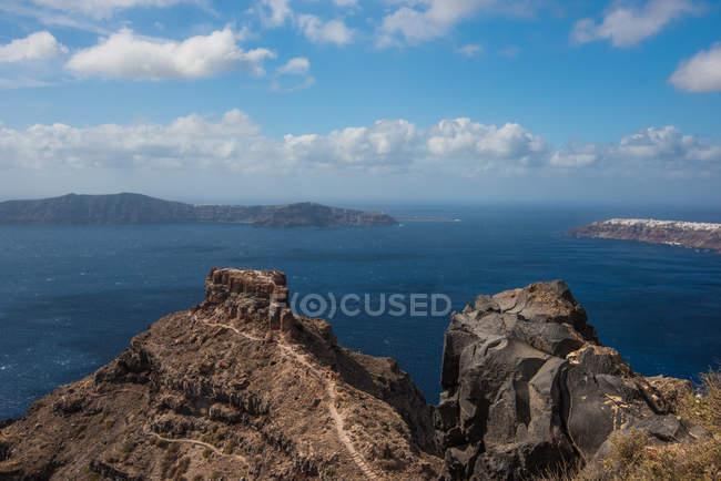 Vista do litoral de Caldera de Santorini, Cyclades, Ilhas do mar Egeu, ilhas gregas, Grécia, Europa — Fotografia de Stock