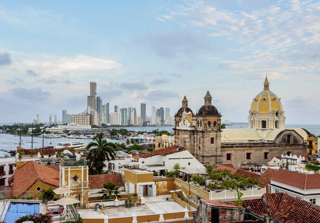 View over Old Town towards San Pedro Claver Church and Bocagrande, Cartagena, Bolivar Department, Colombia, South America — Stock Photo