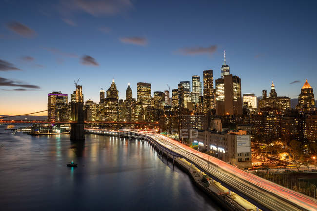 Lower Manhattan at dusk — Stock Photo