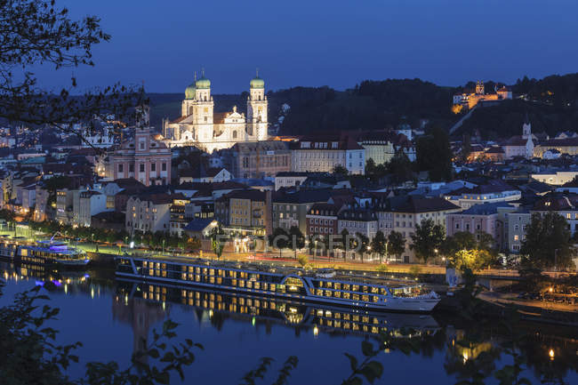 Illuminated cityscape at night in Passau, Germany, Europe — Stock Photo