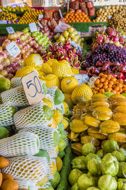 Market stall selling fruits in Phuket Old Town, Phuket, Thailand, Southeast Asia, Asia — Stock Photo