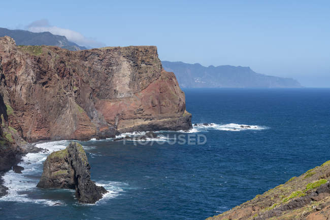Rocks and cliffs on the Atlantic Ocean, Canical, Machico district, Madeira, Portugal, Atlantic, Europe — Stock Photo