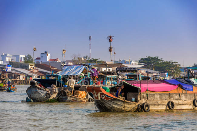 Floating market outside Can Tho, Vietnam, Indochina, Southeast Asia, Asia — Stock Photo