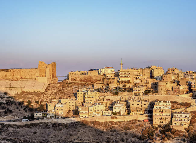 Kerak Castle at sunrise, Al-Karak, Karak Governorate, Jordan, Middle East — стокове фото