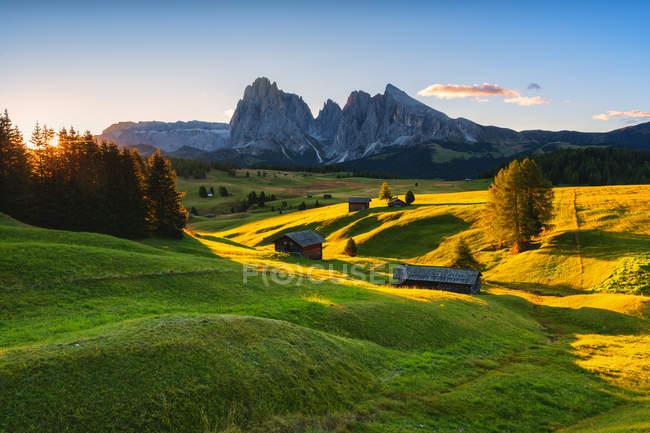 Плато Альп-ди-Сиуси осенью, Долина Гардена, провинция Больцано, Трентино-Альто-Адидже, Италия, Европа — стоковое фото