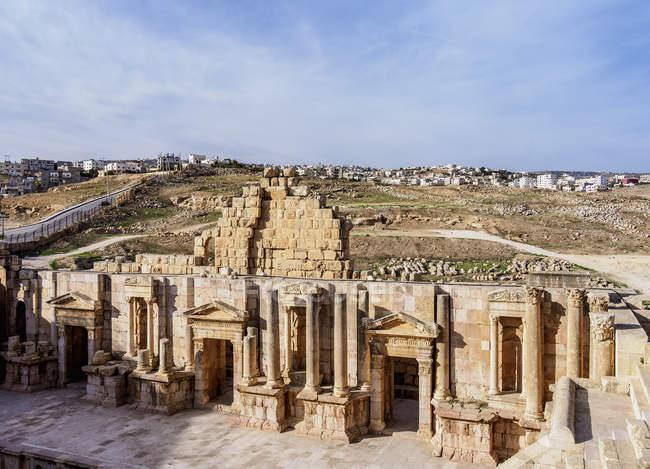 Руины старого исторического южного театра, Джераш, Джераш мухафазы, Иордания, Ближний Восток — стоковое фото