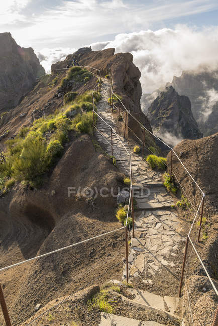Trilha de caminhada nas montanhas, vereda do Areeiro, Funchal, madeira, Portugal, Atlântico, Europa — Fotografia de Stock