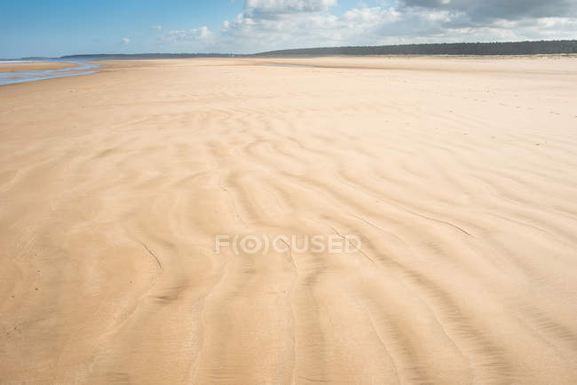 Sandstrand in Holkham Bay am Norfolk Coast Path National Trail, Norfolk, East Anglia, England, Vereinigtes Königreich, Europa — Stockfoto