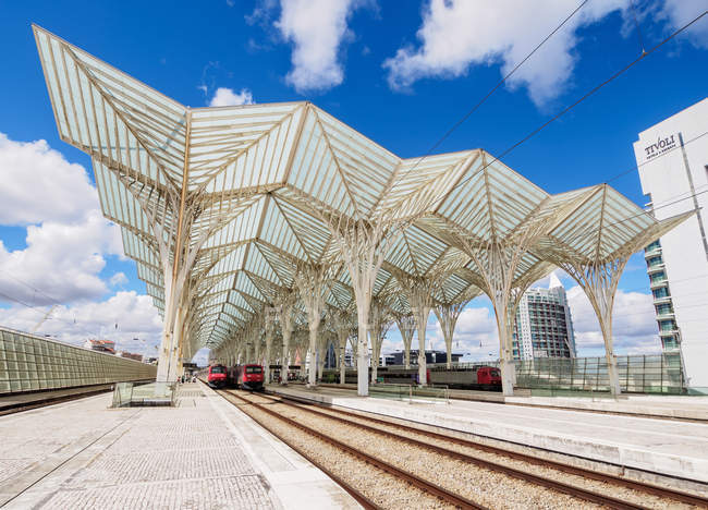 Railways in Oriente Train Station, Lisbon, Portugal, Europe - foto de stock