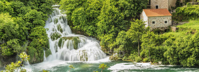 Picturesque of Skradinski Buk Waterfalls, Krka National Park, Dalmatia, Croatia, Europe — Stock Photo