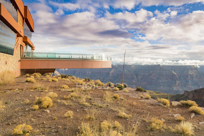 Observation platform over the Grand Canyon and Colorado River, Arizona, United States of America, North America — стокове фото