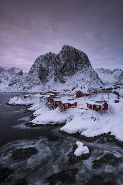 Traditional village of Hamnoy in a winter, Reine, Lilandstindan, Moskenesoya, Lofoten, Nordland, Arctic, Norway, Europe — Stock Photo