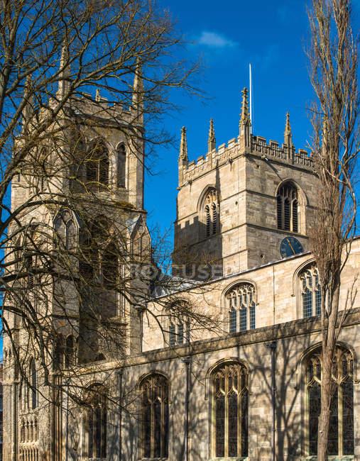 Twin spires of St. Margaret Church, Kings Lynn, Norfolk, East Anglia, England, United Kingdom, Europe - foto de stock