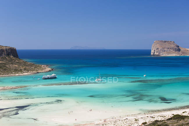 View over Balos Beach and the island of Imeri Gramvousa, near Kissamos, Hania (Chania), Crete, Greek Islands, Greece, Europe — Stock Photo