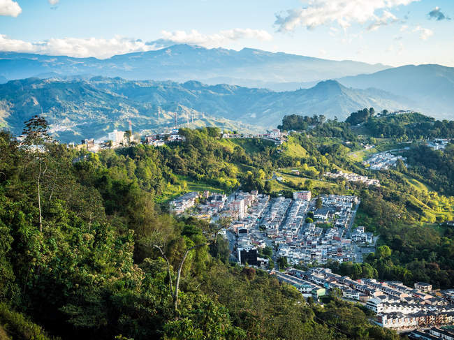 View of small town in mountains, Manizales, Colombia, South America - foto de stock