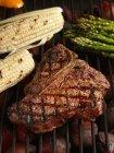Porterhouse bistecca sulla griglia — Foto stock