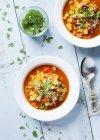 Mulligatawny soup in deep plates — Stock Photo