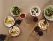 Feldsalat mit Eiern — Stockfoto