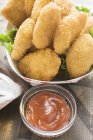 Hähnchen-Nuggets im Karton Teller — Stockfoto