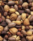 Ассорти орехов с оболочкой — стоковое фото