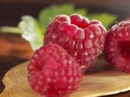 Fresh ripe raspberries — Stock Photo