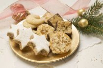 Assorted Christmas biscuits — Stock Photo