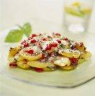 Cuocere patate, pepe e mozzarella — Foto stock